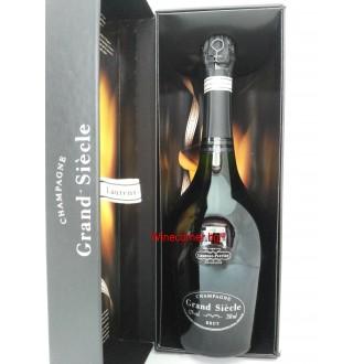 Шампанско Лорен - Перие Гранд Сиек Брут