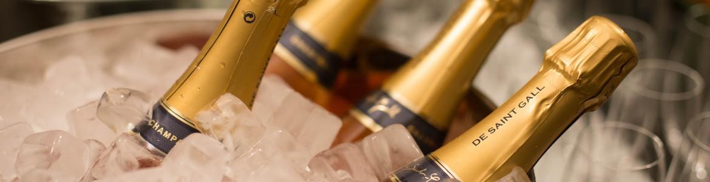 Шампанско и пенливи